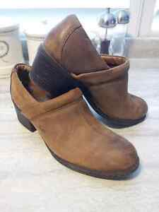 Brown Leather Slip on shoe/boot