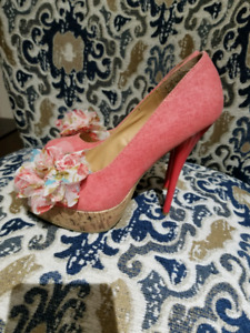 2 Pairs Of Ladies Fashionable Shoes Heals & Wedge