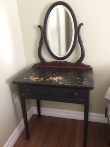antique ladies vanity