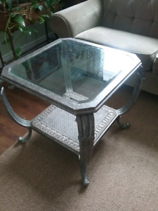 Metal coffee and end table