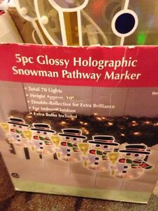 5 pc glossy holographic snowman pathway marker