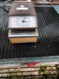 Punch/Time clock in good working order  50.00  OBO Prince George British Columbia image 2