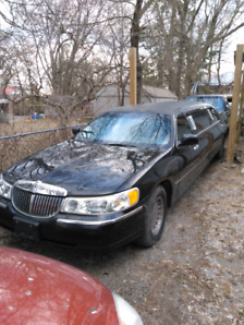 2001 Lincoln stretch limo