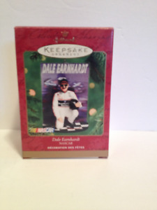 "Hallmark Keepsake Ornament ""Dale Earnhardt Sr."" 2000 Edition"