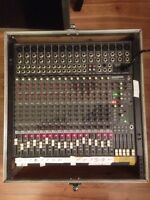 Mackie CR1604-VLZ 16 channel mic / line mixer with box