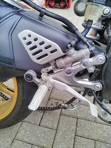 YAHAHA R6R 2008 2014 REAR SETS DRIVERS AND PASSANGER FOOT PEGS Windsor Region Ontario image 4