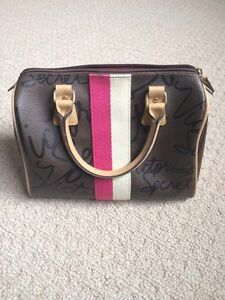 Victoria's Secret Handbag London Ontario image 2