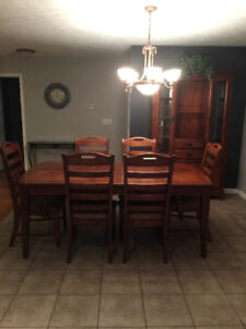 Table, Chairs & Buffet, Hutch Set