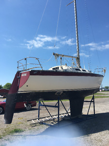 CS 27 Sailboat is great family cruiser and popular club racer