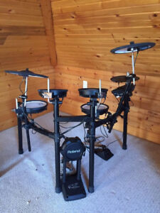 WANTED: ROLAND V-TECH DRUMS