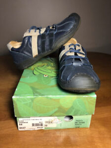 Kids Shoes - 75 % off sticker price (2/2)