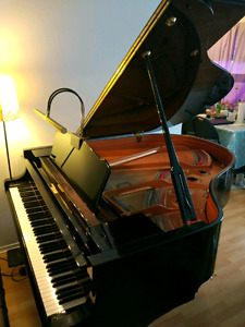 Beautiful Yamaha C1 baby Grand piano à queue 2009 to sell