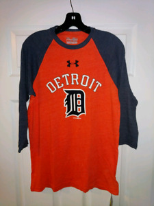 Under armour Detroit tigers shirt small