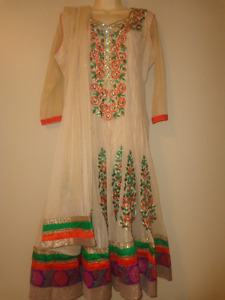 Ethnic Indian/Pakistani Salwar Kameez/Anarkali/Chudidaar suits