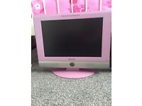 "19"" flat screen TV with Freeview"