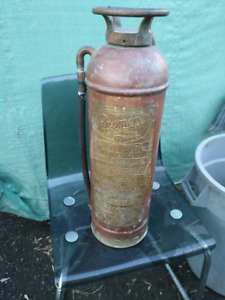 vintage fire extinguisher make phomene.