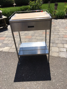 Stainless steel bar wagon with butcher block top