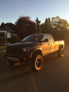 2008 Dodge Ram 3500 lots done to it!