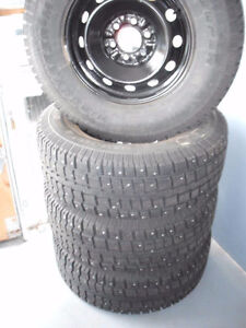 LT275/70x17 Ford F150 6 bolt winter whees tires cooper discover
