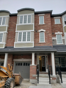 4 Bedroom house in Brampton (hyw 410 & Bovaird) for rent