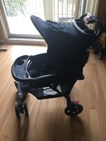 Poussette Eddie Bauer Stroller en bon état in good condition