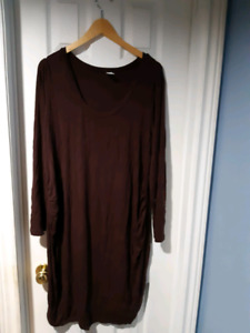 XL maternity Old Navy dress and leggings