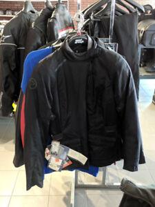 Manteau pour femme(sm) , de la marque Bering, a 50% de rabais!