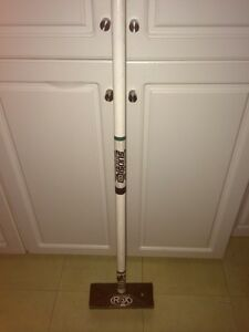 Olsons curling broom in good condition
