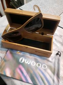 Men's wooden sun glasses