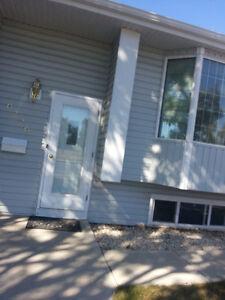 Immediate room rent in semi-basement Bungalow in N/W Regina