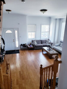 Looking for Roomate August 1st