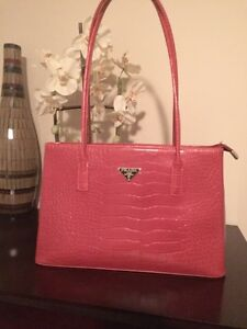RED PRADA BAG PURSE LOTS OF COMPARTMENTS