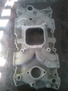 Edelbrock torker 2 intake for small block chevy