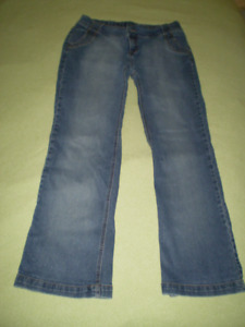 Medium Thyme Maternity Jeans - Great Condition