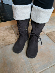 Cozy womens boots