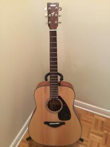 Yamaha FG700ms acoustic guitar.