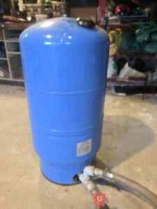 Water pressure holding tank