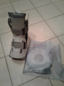 brand new air cast and shower boot