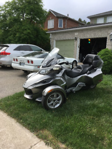 2012 can am Spyder RT with audio , certified