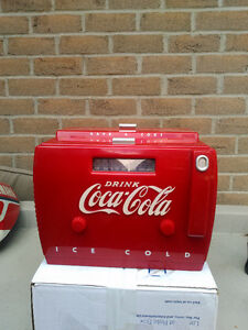 COCA COLA RADIO WITH TAPE PLAYER IN GOOD CONDITION COLLECTOR