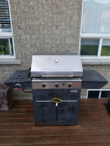 Centro 3000 stainless steel propane bbq