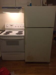 Fridge/Stove 300$ DELIVERY (on Friday only) INCLUDED