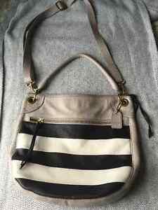 Fossil leather crossbody /shoulder handbag purse
