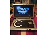 Portable DVD player with rechargeable battery
