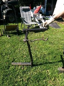 Bicycle carrier car hitch