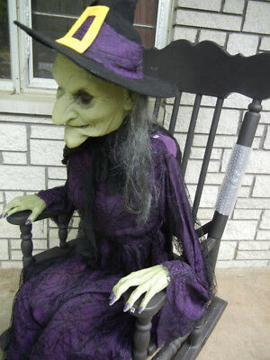 ANIMATED LIFE SIZE WITCH SITTING in FULL SIZE ROCKING CHAIR HALLOWEEN PROP](Animated Halloween Rocking Chair)