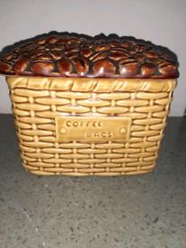 Sylvac lidded coffee bags pot 5041