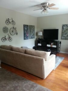 Spacious 3 BEDROOM Upper Level Duplex