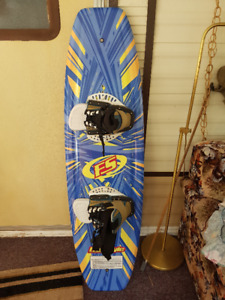 Skis, wakeboard,