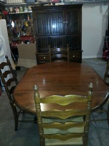 Solid Pine Colonial Dining Room Set